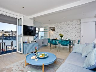 The **** Deck, 3 Harbour House located in St Ives, Cornwall