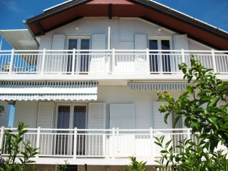 Sea view apartment Niksa Petrcane A1 (4+1)