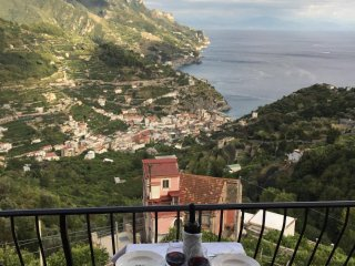 Hilltop breathtaking sea view apartment in Ravello, Amalfi Coast.
