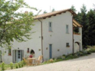 CasaLeMonache. Appartamenti in casale. 2, Montecastrilli