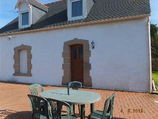 Ideal w/ family, 900m beach, Paimpol