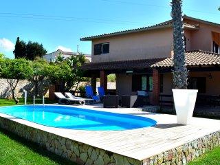 AL028 Villa con piscina 9 posti bbq, Alcamo
