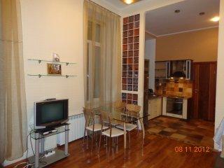 One bedroom apartment in Passage, Kiev