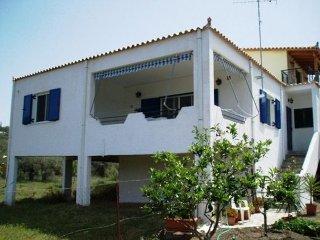 Agréable maison proche de la mer autour d'oliviers, Kranidi