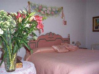 Appartamento Rosa - situato al primo piano della casa principale - ottima vista!