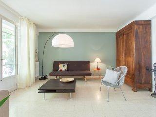 Appartement Peyrou avec garage