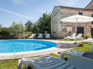 House 'Zvane' near Rovinj for 10 ppl + pool