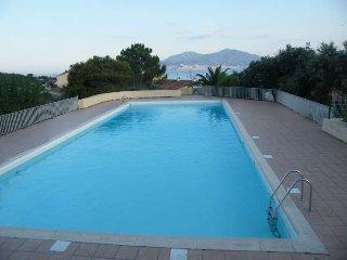 T2 terrasse clim et Piscine proche mer, Porticcio