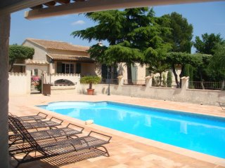 Villa with pool 12 x 6 in the heart of Provence, Saint-Didier