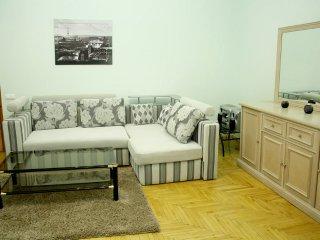 3 room at Maidan with jakuzzi (Mala Zhytomyrs'ka), Kiev