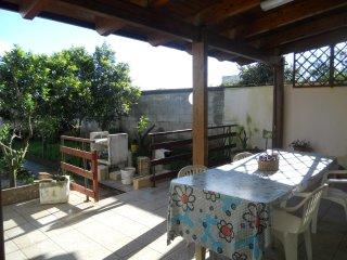 Casa vacanza economica con giardino vicino T.Orso, Martano