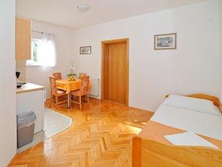 Villa Chiara - One Bedroom Apartment with Terrace, Vodice