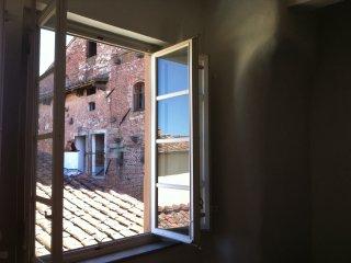 Beautiful apartment in front Guinigi Tower (Lucca)