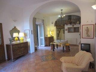 Appartamento centro storico con vista mare, La Maddalena
