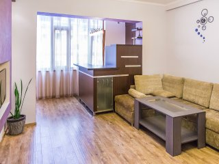 Nalbandian Str /Sakharov Square: 2 Room Studio Apt