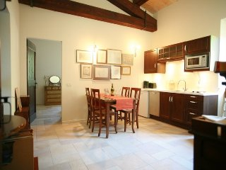 Cantinone Apartment 2br with Pool 12m, Cupramontana