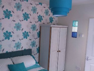 Lovely double studio en suite with garden, Torquay