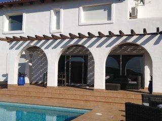 Casa ibizenca con encanto en Sitges Hill, Olivella
