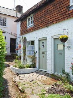 Quirky mid terraced character cottage down a hidden twitten.