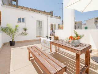 House in Vilafranca up to 8 people