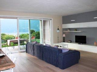 Villa Bella - villa singola con piscina privata, Colico