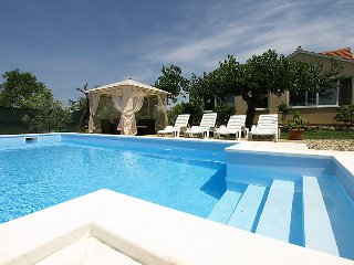 Holiday House Frane - holiday house with swimming pool