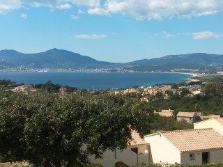 Studio hauteurs de Porticcio, tres belle vue mer.