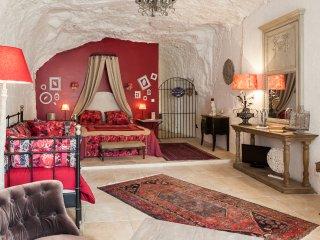 Magnifique suite et chambre troglodytes atypiques