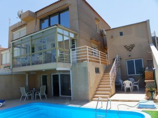 Se alquila casa independiente con piscina privada, Gran Alacant