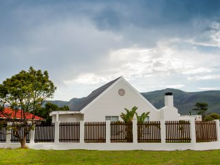 Sandbaai Cottages 1