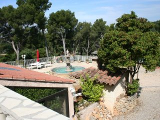 Appart. 65 m2 Proche Mer, Wifi, Clim, Park 4 pers, Sanary-sur-Mer