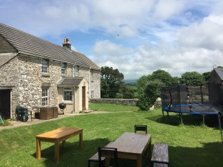 Pembrokeshire Farmhouse with large garden