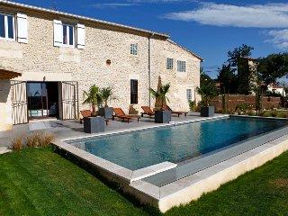 Mas classé 5*, piscine privée, 5 chambres, 12 pers