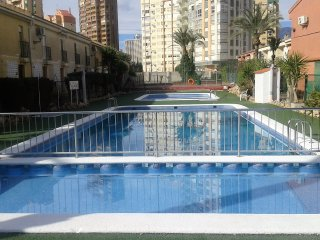 COZY DUPLEX IN BENIDORM LEVANTE BEACH, Benidorm