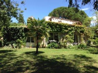 Large sunny family villa, pool large garden