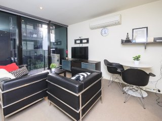 2BR CBD Apartment & FREE Wi-Fi, Melbourne
