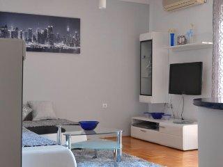 Apartment Maxim (2 bedrooms), Budva