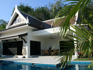 Private Villa Champagne, 3 Bedrooms, pool, Phuket, Phuket Town