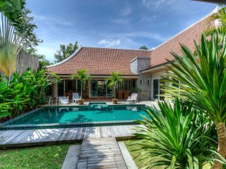 Lotus private villa, 6pers, swimming pool, Phuket, Rawai