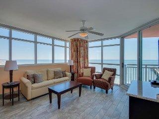 Oceanfront condo-full kitchen, garden tub, resort amenities, * fishing pier