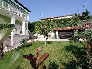 Rona Icici A2+2 Apartment