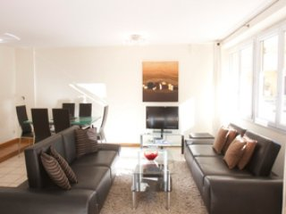 Contemporary Two Bedroom Apartment, Cannes
