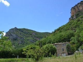 La Maison des 3 petits Cochons : un gîte atypique, Saint-Ferreol-Trente-Pas