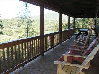 Mountain Cabin w/ Beautiful View, Trout Fishing, Whitewater Rafting, Hiking
