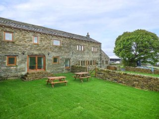 UPPER PEAKS BARNS, woodburning stove, pet-friendly, lawned garden, Meltham, Ref