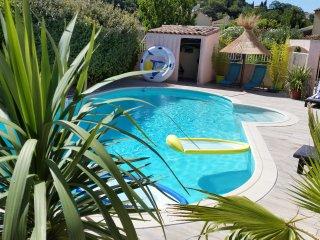 Maison du Lavoir piscine partagée proche mer, Villevieille