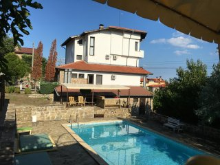 AMAZING VILLA WITH SEA VIEW AND NICE POOL AREA, Sveti Vlas
