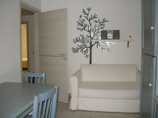 Romantic , clean, bright  apartment  in Villapizzone!