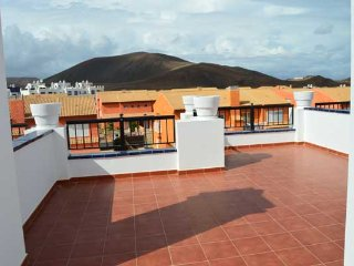 Townhouse in Corralejo, near golf