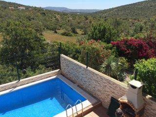 Charmante villa avec piscine vue campagne, Loule